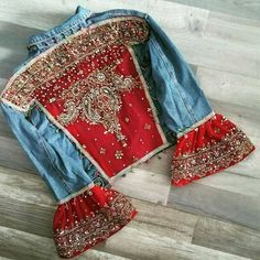 Lehenga Denim Jacket Source by lavonboyle Denim Fashion, Boho Fashion, Fashion Tips, Estilo Hippie, Diy Vetement, Denim Ideas, Womens Fashion Online, Vintage Denim, Upcycled Vintage