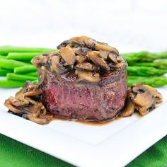 Filet mignon w/sautéed mushrooms Cook in pan for 3 minutes then ending with hot oven off 20 minutes