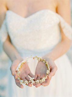 Fine Art bridal accessories by SIBO Designs - coastal bridal session ideas Bridal Hair Vine, Wedding Headband, Bridal Crown, Bridal Earrings, Wedding Jewelry, Wedding Shoes, Bridal Jewellery Inspiration, Classic Wedding Rings, Timeless Wedding
