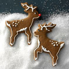 These unique Christmas cookies are just begging to be made this year. Choose from ugly Christmas sweater cookies to cookie butter blossoms. Spice Cookies, Ginger Cookies, Cut Out Cookies, Peanut Butter Cookies, Sugar Cookies, Christmas Goodies, Christmas Baking, Christmas Treats, Christmas Biscuits