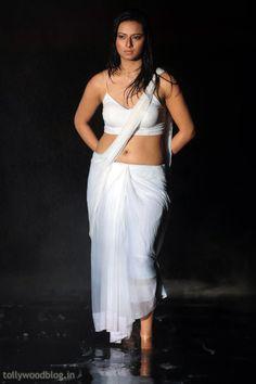 Isha Chawla Hot Saree Pic Still-24 Telugu Movie Still Pic Photo Image Hot Actress Masala Heroine