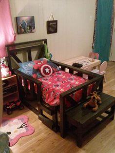 DIY pallet toddler #bed #frame plan on a budget! - 42 DIY Recycled Pallet Bed Frame Designs | 101 Pallet Ideas - Part 3