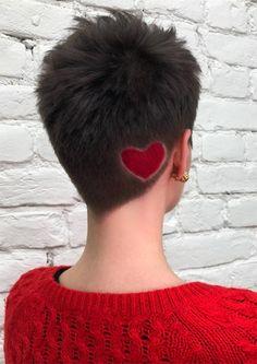 54 Badass Undercut Hair Tattoos für Frauen in der Liebe mit Hair Art Curly Weave Hairstyles, Undercut Hairstyles, Blonde Hairstyles, Short Pixie, Short Hair Cuts, Short Hair Styles, Haare Tattoo Designs, Short Hair Undercut, Great Haircuts