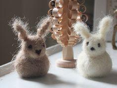 https://flic.kr/p/5QQ7nM | large bunny friends