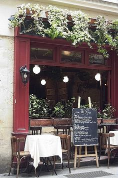 Quaint café, perfect for relaxing, enjoying light fare and the company of a good friend.