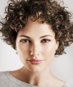 You need to embrace your natural, curly hair this summer. Here's why (and how) you should do it.