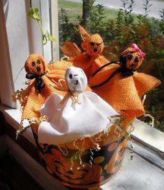 Fun Halloween gift for B's classmates!