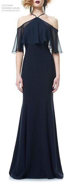 Elegant evening wear with a vintage vibe. ❤️❤️❤️ Me gustaría vestido corto, me encanta sus hombros
