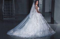 Lace wedding dress.Ball gown wedding dress. Sleeveless wedding dress.Swarovski embroydered wedding dress.Stunning wedding dress