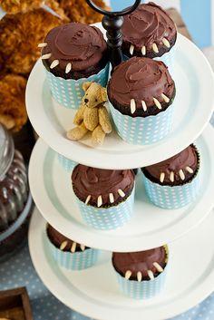Cupcakes at a Teddy Bear Baby Shower #teddybear #babyshower #cupakes