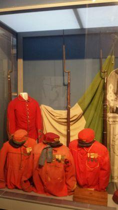 Uniformi dei Garibaldini Camicie rosse Museo del Risorgimento Genova