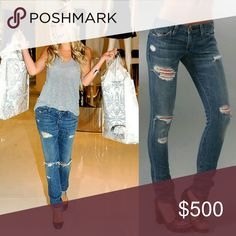 CLOSET CLOSING! Current Elliott Skinny Jeans ✨Destructed Current Elliott Skinny Jeans. Pre owned and awesome! Current Elliott is an amazing brand! If you are unfamiliar, they stretch a little when worn for a loose/forgiving fit around the hips and waist (return to original fit with each wash). Love love love Current Elliot!✨  ✨Weekend orders ship Monday✨ Current/Elliott Jeans Skinny