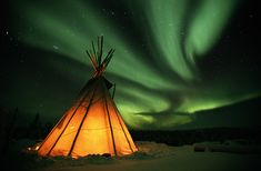 A teepee * Aurora Borealis * Alaska Aurora Borealis, Oh The Places You'll Go, Places To Travel, Vacation Places, Dream Vacations, Vacation Spots, See The Northern Lights, Jolie Photo, Natural Phenomena
