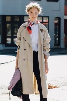 foulard autour du cou, trench-coat, #foulard