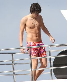 Harry Styles in all his shirtless glory