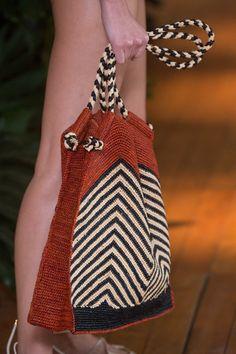 VIX, SPFW, Summer 2017 RTW - (Details) Crochet Bag