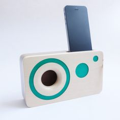 Handmade walnut wood iPhone acoustic speaker box by WoodAndGadget Passive Speaker, Hard Wood, Iphone, Walnut Wood, Radios, Industrial Design, Acoustic, Clocks, Wood Crafts
