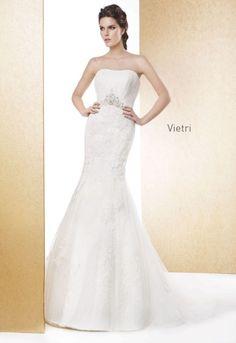 Escote corazón y corte sirena, precioso vestido de Cabotine modelo vietri