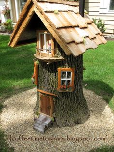 Fairy garden designs - Coffee Time to Share Gnome house for rent ) Fairy Tree Houses, Fairy Garden Houses, Garden Trees, Gnome Tree Stump House, Fairies For Fairy Garden, Garden Ideas With Tree Stumps, Diy Fairy House, Fairy Garden Doors, Shaded Garden