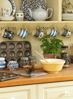 Cottage Kitchens and accessories how's this for a fun change? swap out dishes + add a contrasting piece + plus well-experienced tins! (i heart terra cotta & herbs! New Kitchen, Vintage Kitchen, Kitchen Dining, Kitchen Decor, Kitchen Ideas, Cozy Kitchen, Family Kitchen, Kitchen Utensils, Cocina Shabby Chic