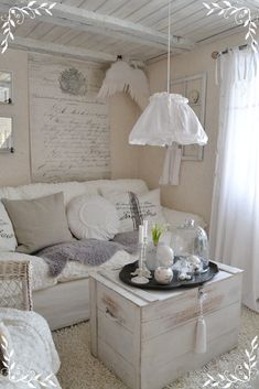 Shabby Chic This Looks like Lady P's Livingroom. LUV IT