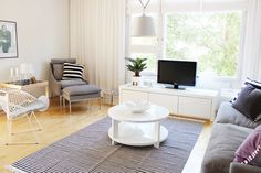 Living room / Valanti / Black and white / Artemide Tolomeo