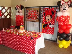 I wonder if one of my girls will let me do this for their next birthday!!! Minnie Mouse Party #minniemouse #party