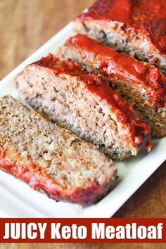 the perfect keto meatloaf! Almond flour and parmesan add flavor and kee. It's the perfect keto meatloaf! Almond flour and parmesan add flavor and kee. It's the perfect keto meatloaf! Almond flour and parmesan add flavor and kee. Healthy Food Blogs, Healthy Recipes, Simple Recipes, Organic Recipes, Menu Vegan, Vegan Keto, Low Carb Meatloaf, Bacon Meatloaf, Leftover Meatloaf