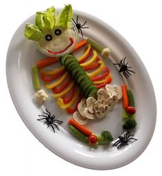 Veggie Skeleton - what a great idea for a healthy Hallowen by Kia from @eatingarainbow :)