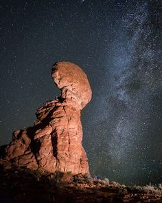 Balanced Rock, Arches National Park, Moab, Utah