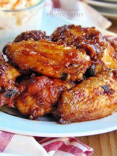 Az otthon ízei: BBQ csirkeszárnyak káposztasalátával
