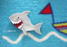 Finger puppet shark a w/a template. Cute with an ocean page.