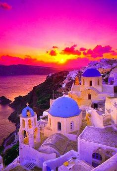 Beautiful Greece. Would love to visit!