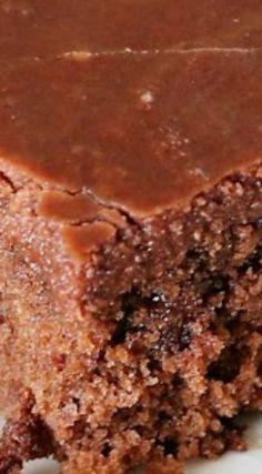Hershey's Chocolate Syrup Cake ~ It's moist, tender, and absolutely deli… Hersheys Schokoladensirupkuchen ~ Es ist feucht, zart und absolut lecker. Marble Cake Recipes, Dessert Recipes, Quick Dessert, Dessert Bars, Dessert Ideas, Hershey Chocolate Cakes, Chocolate Desserts, Chocolate Lovers, Sheet Cake Recipes