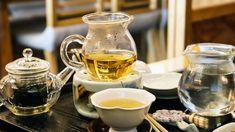 Sale da tè, dove bere tè in Italia - Five o' clock tea  #tè Coffee Drinks, Coffee Cups, Tea Love, Plant Images, Alcoholic Drinks, Herbs, Health, Tableware, Asmr