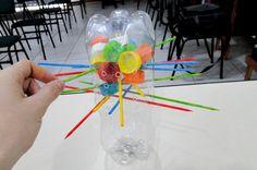 Artesanato Casa e Dicas: Faça um jogo cai-não-cai com garrafas PET e tampinhas