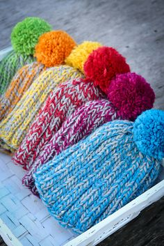 Last Minute Hat By Kirsten Hipsky - Free Knitted Pattern - Adult And Child Sizes -(ravelry) Schalquasten Last Minute Hat pattern by Kirsten Hipsky Knitting For Kids, Loom Knitting, Knitting Patterns Free, Knit Patterns, Free Knitting, Baby Knitting, Free Pattern, Yarn Projects, Knitting Projects
