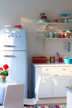 I have yet to see a SMEG refrigerator in a kitchen that wasn't playful and cheerful. Kitchen Interior, Kitchen Decor, Kitchen Design, Smeg Fridge, Smeg Kitchen, Pastel Kitchen, Sweet Home, Turquoise Kitchen, Vintage Kitchen