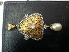 India Jewelry, Gems Jewelry, Ethnic Jewelry, Jewelery, Antique Gold, Antique Jewelry, Indian Embroidery Designs, Jewellery Sketches, Pendant Design