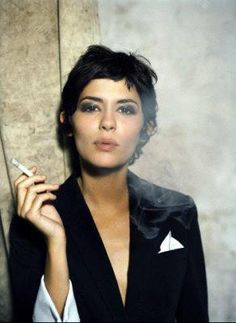 Audrey Tautou in Is she married or dating a new boyfriend? Net worth: How rich is she? Does Audrey Tautou have tattoos? Does she smoke? Audrey Tautou, Audrey Hepburn Pixie, Party Hairstyles, Cool Hairstyles, Celebrity Hairstyles, Trending Hairstyles, Ponytail Hairstyles, Hairstyles Haircuts, Bob Hair
