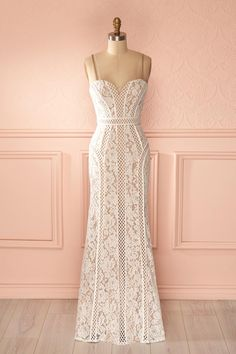 Janileth - White lace and mesh nude lining bustier gown