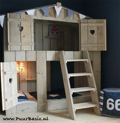http://www.puurbasic.nl/image/cache/stapelbed_boomhut_bed_steigerhout-500x500.jpg