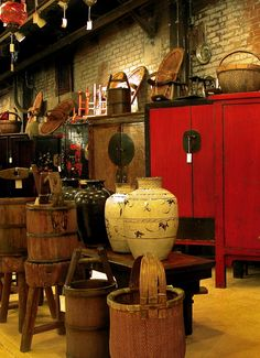 18th, 19th and early 20th century Chinese furniture, vases, and baskets inside Material Culture. #visitphilly #phillyaphrochic