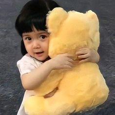 Cute Little Baby Girl, Cute Girl Face, Little Babies, Cute Asian Babies, Korean Babies, Cute Babies, Ulzzang Kids, Ulzzang Couple, Kpop Couples
