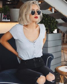 "2,158 mentions J'aime, 26 commentaires - Laura Jade Stone (@laurajadestone) sur Instagram : ""I do love a good pair of ripped jeans @leejeansaustralia #leejeansaustralia"""