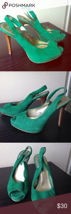 green suede Nine West heels, size 6 gorgeous green suede peep-toe heels from Nine West. size 6. excellent condition. Nine West Shoes Heels