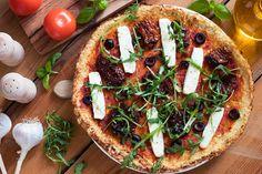 Pizza beim Intervallfasten ist kein Problem! Zumindest während der Fastenzeit. Zusätzlich haben wir ein paar Intervallfasten Pizza Rezepte erstellt, mit denen Du Dich zufrieden, satt und gesund in den nächsten Pizza-Himmel begibst. Ideal für intermittierendes Fasten 16/8 >>