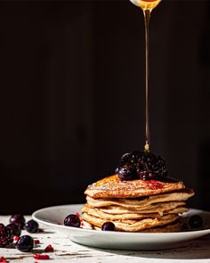 This is our first recipe in our series of yummy treats that you can make with our product range!   👨🍳Berry Hemp Breakfast Pancakes👩🍳  Start your morning properly with these hearty pancakes, fortified with the natural protein and fibre of our 13 Seeds Hemp Flour. This classic breakfast tastes great with our signature Hemp Honey and a serving of your favourite fresh berries. Make the batter ahead of time for a quick, nutritious morning boost! Baked Pancakes, Breakfast Pancakes, Buttermilk Pancakes, Pancake Pictures, Food Porn, Detox Recipes, Detox Foods, Quick Recipes, Foods To Eat
