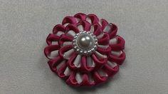 Barrette kanzashi rose et blanc/Pince à cheveux fille/Fleur kanzashi/Pince en satin/Ruban en satin de la boutique bricoartKAM sur Etsy