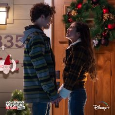High School Musical, Movie Couples, Cute Couples, Hig School, Movie Inspired Outfits, San Diego, Baby Olivia, Wattpad, Sabrina Carpenter